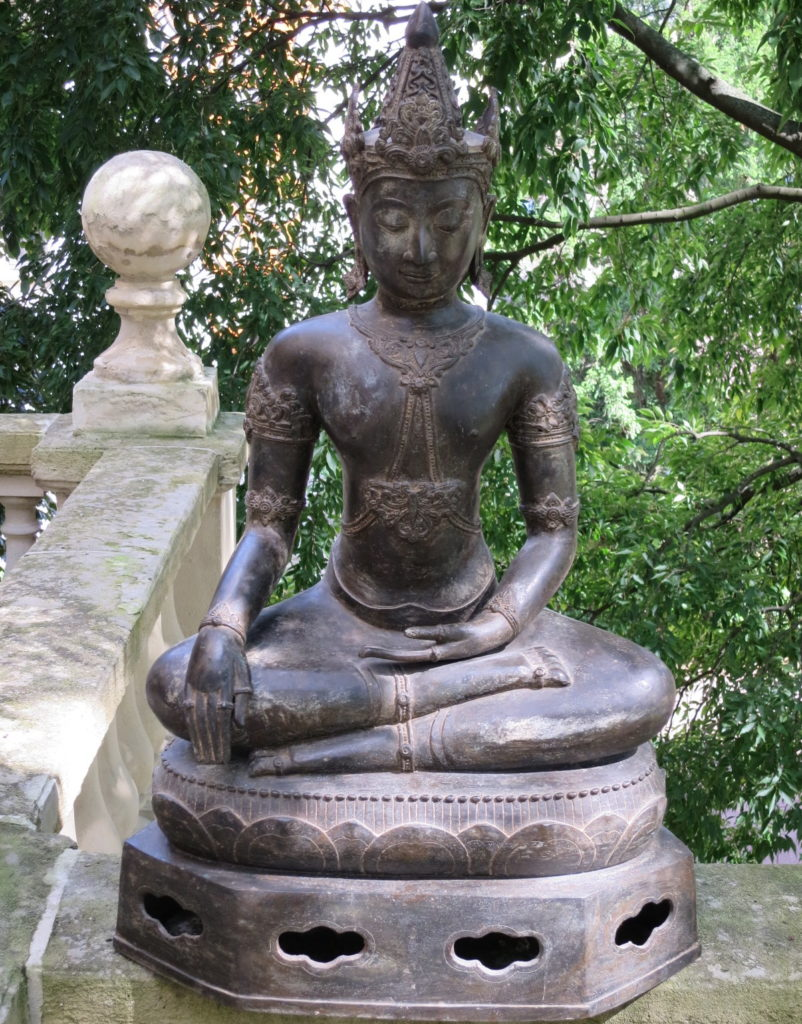 Buddha in bhumiparçamudra. Thailand 16th Century