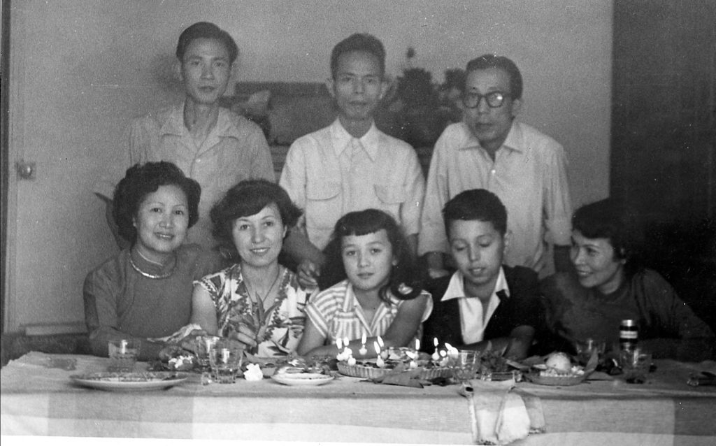 Vence on August, 27, 1953. Vu Cao Dam with his family. On left, Le Thi Luu, beside him, on right, Mai Thu.