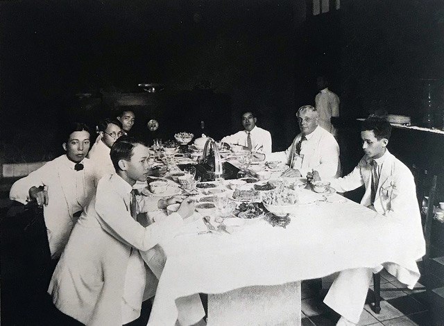 From left to right: Mai Trung Thu, Le Pho, Le Van De, Nguyen Phan Chanh (in the back), Cong Van Chung, Victor Tardieu, Georges Khanh. Hanoi, August 12th 1930