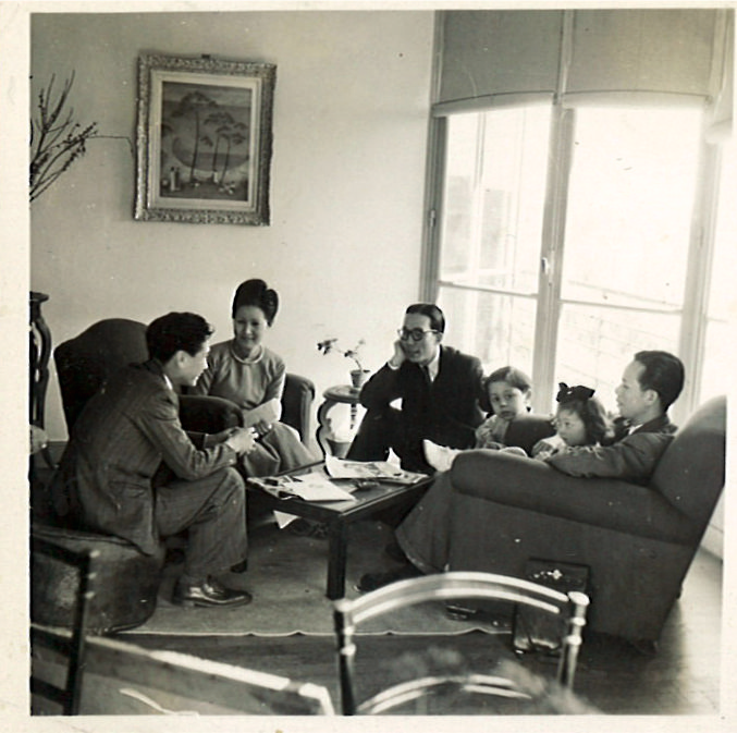 At Mai Thu's home in Vanves with Vu Cao Dam, 1946