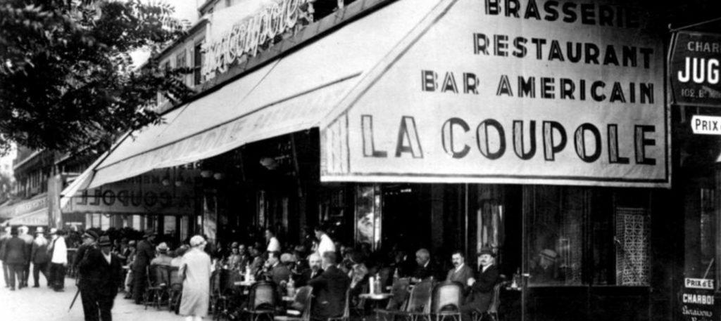 La Coupole, Montparnasse, Paris, entre les deux guerres.